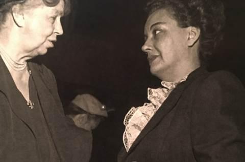 Ana Figueroa Gajardo (jobbra) Eleanor Roosevelttel