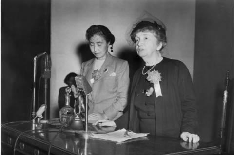 Shidzue Katō Margaret Sangerrel 1955-ben